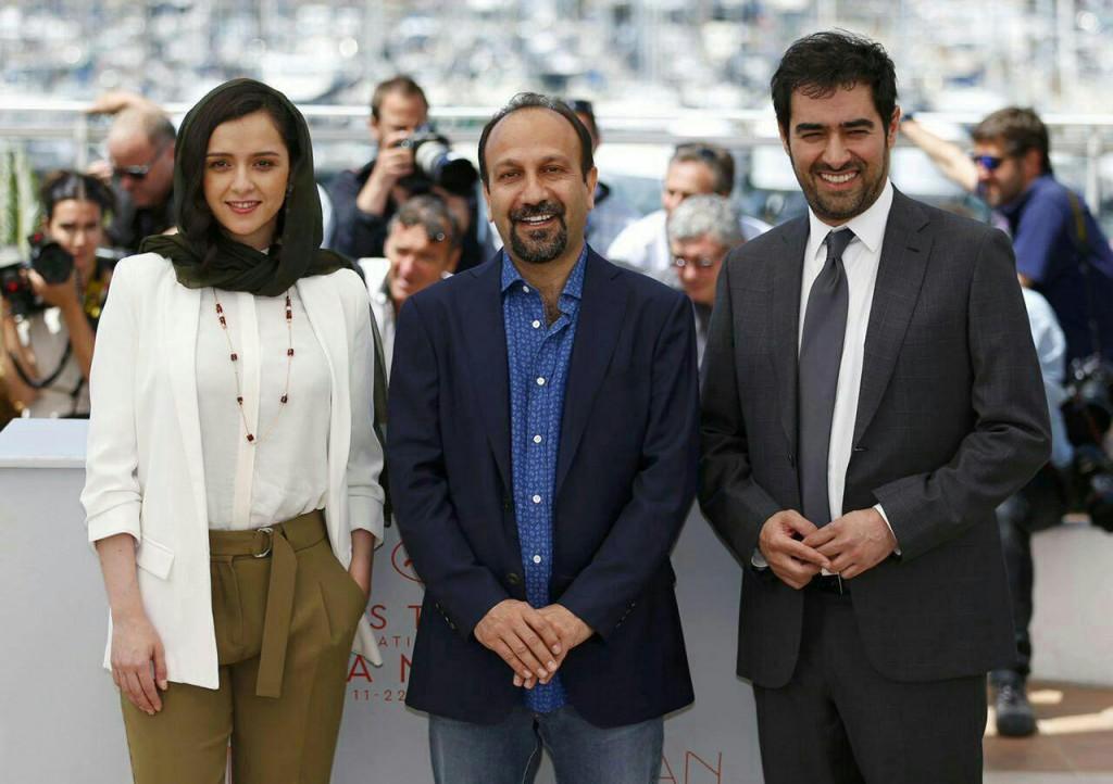 شهاب حسینی اصغر فرهادی و ترانه علیدوستی در فتوکال فیلم فروشنده در جشنواره کن